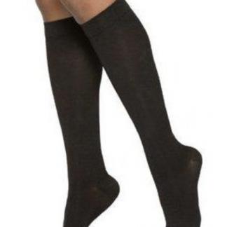 Sigvaris 232 Cotton Knee
